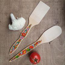 Küchenzubehör auf holz  - Pfannenwender und Kochlöffel - kunstvoll handbemalt