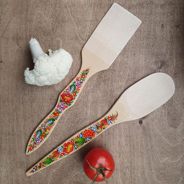 Kitchen accessories of wood - spatula and wooden spoon - artistically hand painted