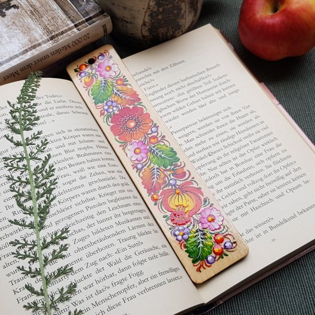 Beautiful wooden bookmark, hand painted in Petrykivka style