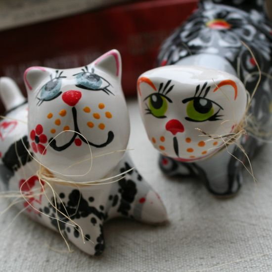 Cats in love - ceramic  animals - cute cats figures hand painted - Valentins day gifts