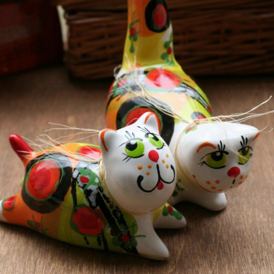 Cats in love - ceramic animals - cute cats hand painted