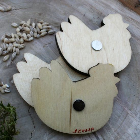 Hochwertiger Kühlschranktmagnet aus Holz - Henne-  handbemalt