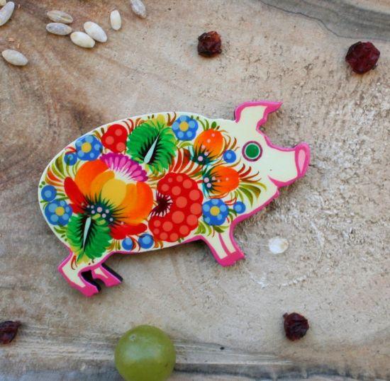 """Animal fridge magnet and small gift  """"Piggi"""", handmade, Petrykivka painting"""