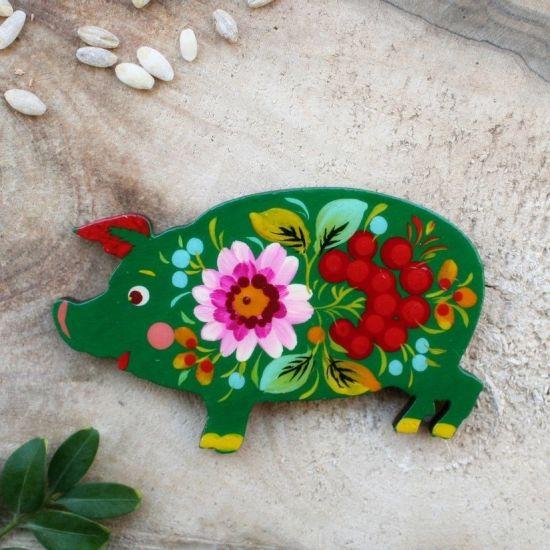 Piggi - funny fridge magnet and slacky charm, hand painted