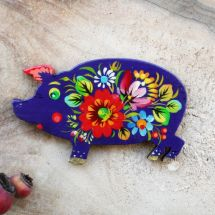 Funny piggi - fridge magnet and lacky charm, hand painted