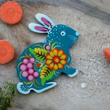 Magnet Osterhase hanbemalt mit Blumenmuster