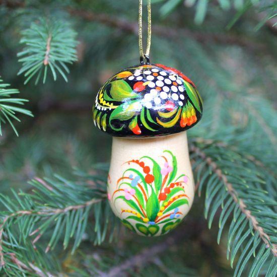 Pilz-Chrisbaumschmuck aus Holz- Glücksbringer und kleines Geschenkdöschen
