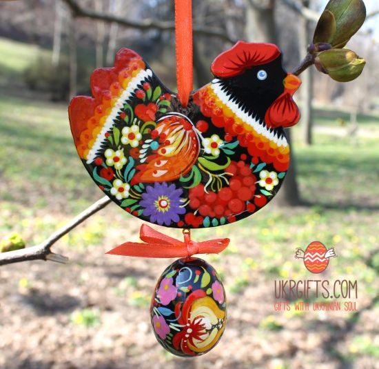 Easter ornament, black chicken with easter egg, ukrainian Petrykiwka painting