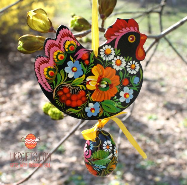Easter ornament, Chicken with the egg, ukrainian Petrykiwka painting