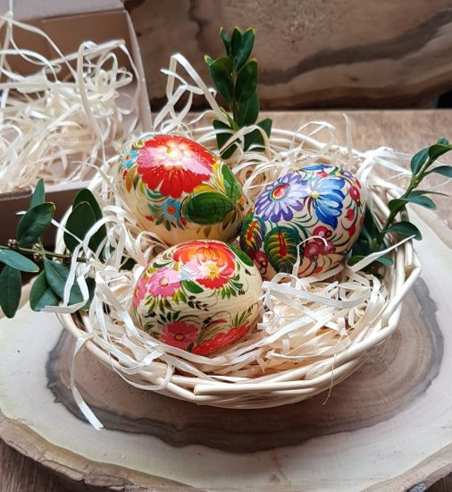 Hand painted Easter eggs with flowers ornaments - 3 pieces in a basket
