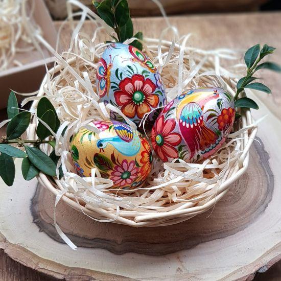 Schöne perlamutterne Ostereier von Handbemalt, aus Holz- 3 St im Körbchen