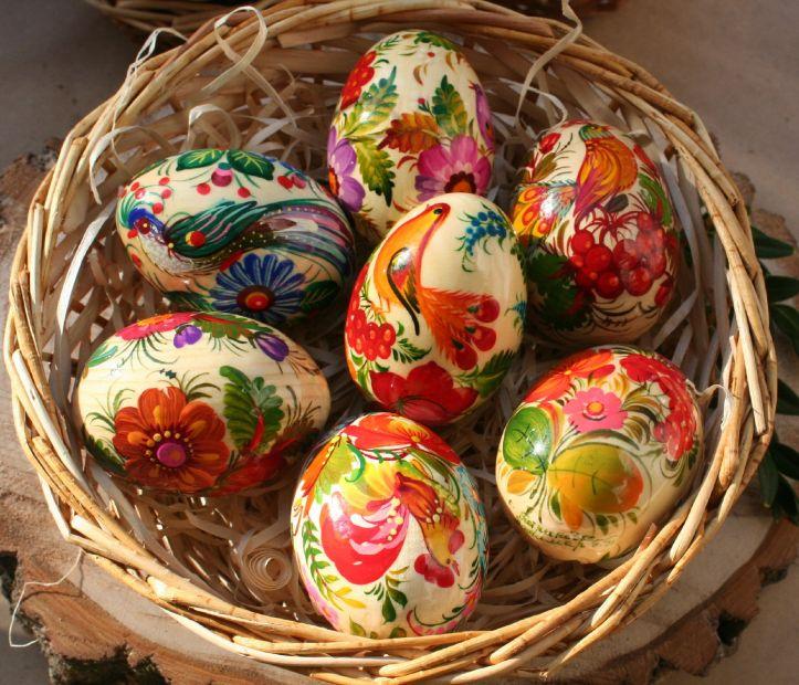 Handbemalte Ostereier im Körbchen - 7 St.  helle Farben - Ukrainische Malerei - Hochwertige Osterdeko
