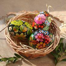 Handbemalte Ostereier aus Holz im Körbchen - kräftige Farben - Ukrainische Petrykiwka Malerei