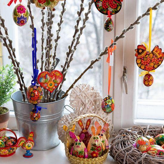 Schöner Osterdekoration aus Holz- Osterhase - Anhänger mit Blumenmuster