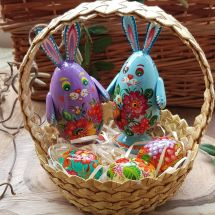 Pretty Easter basket - 2 funny Easter rabbits, 3 small Easter eggs made of wood - handicrafts