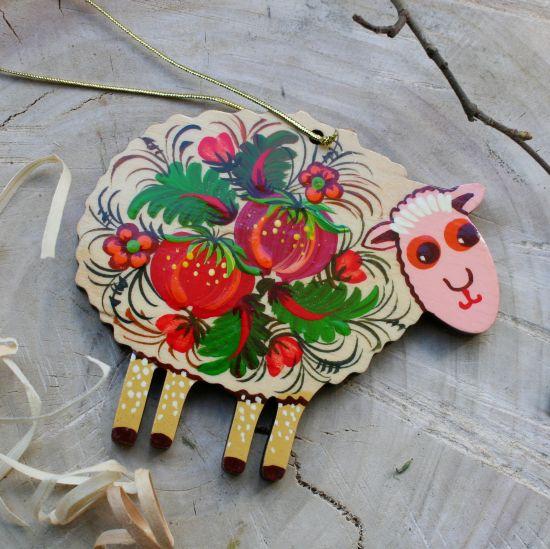 Schaf Osterdeko aus Holz zum Aufhängen, handbemalt - Ukrainishe Handarbeit