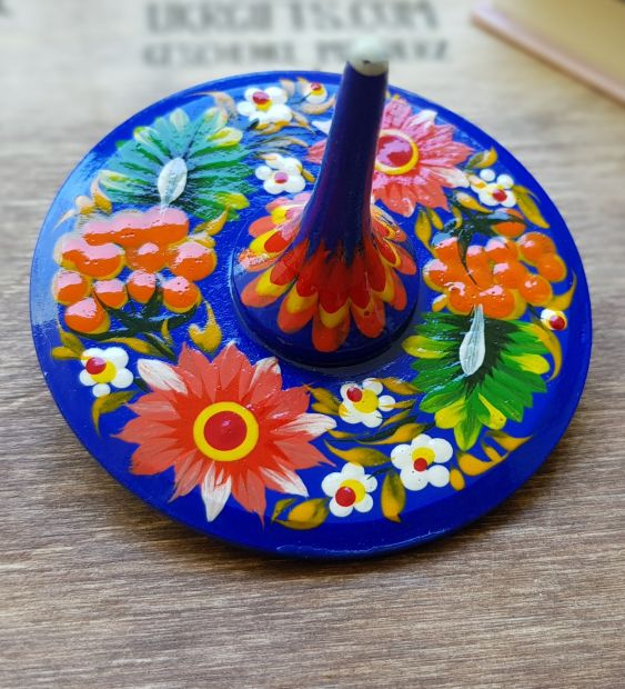 Spinning top, wooden toy with flowers patterns, handmade in Ukraine