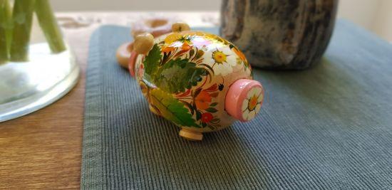 Piggy salt und pepper shaker of wood, ukrainian painting