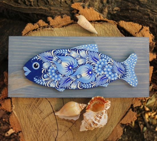 Blauer Holzfisch - Wanddekoration mit Hellblauem Muster