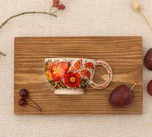 Folklore Wanddeko aus Holz, kleine Tasse mit Blumenmuster, Kunsthanwerk aus der Ukraine