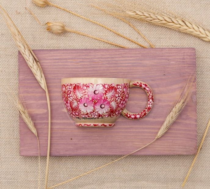 Beautiful wall art, wooden hanging cup with pink flowers