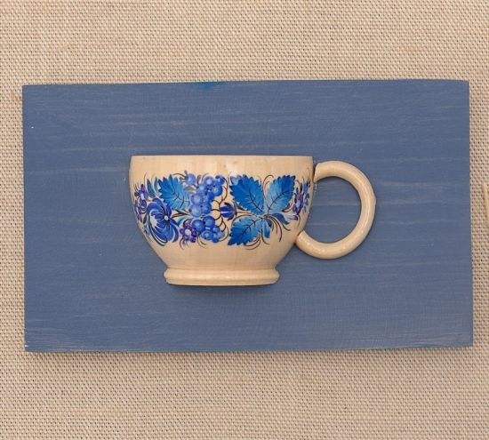 Exklusive Wanddeko zum Anhängen, kleine Tasse mit blauen Blumen
