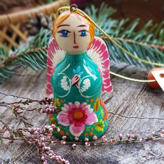 Weihnachtsengel und Glöckchen aus Holz in türkisblauem Kleidchen