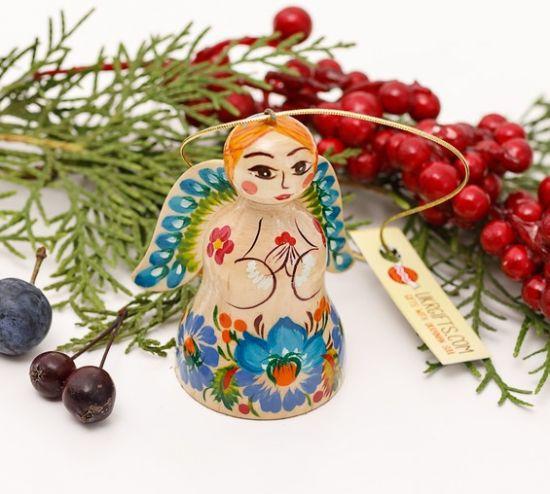 Weihnachtlicher Engel und Glöckchen aus Holz mit blauen Blumen
