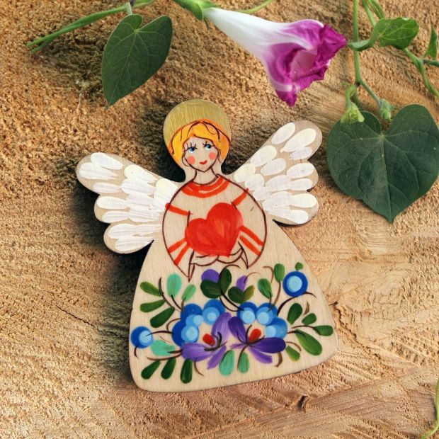 Angel with a heart - magnet for the fridge