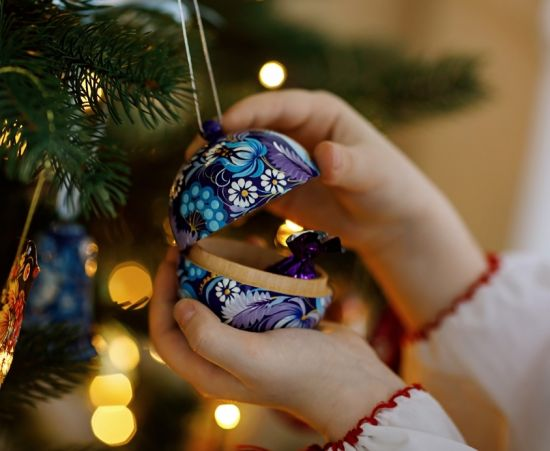 Blue Christmas ball hand painted with country house 8-8,5 cm