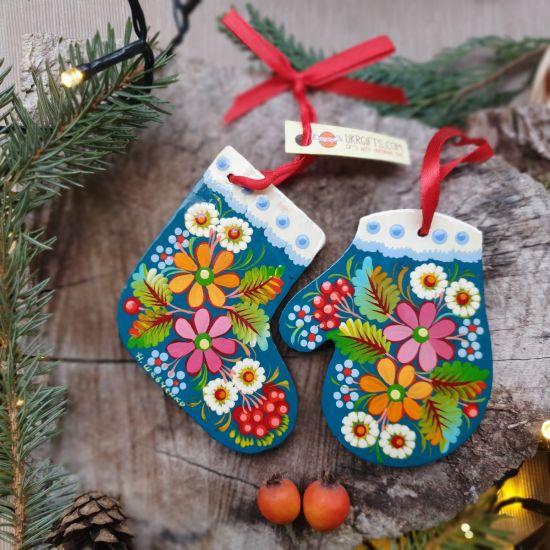 Weihnachtsschmuck -Stiefel und Handschuh mit Blumenmuster