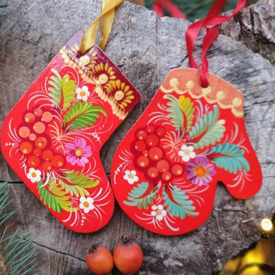 Red Christmas tree decorations - christmas stocking and mitten, handicrafts