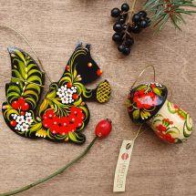 Eichhörnchen und Pilzchen - Holzschmuck für Weihnachtsbaum - traditionelles Kunsthandwerk